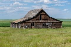 D8505090-Abandoned-Barn-near-Vulcan-Alberta
