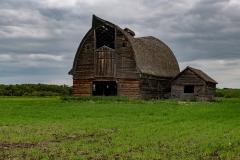 Old-abandoned-barn-near-Valhalla-Alberta_8503072