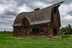 Old-abandoned-barn-near-Valhalla-Alberta_8503082
