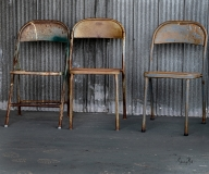 Three-chairs-in-colour_8503028