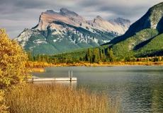 D8507974-Mt.-Rundle-at-Vermilion-Lakes-Banff-National-Park