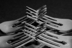 D7507432-Four-Locked-Forks